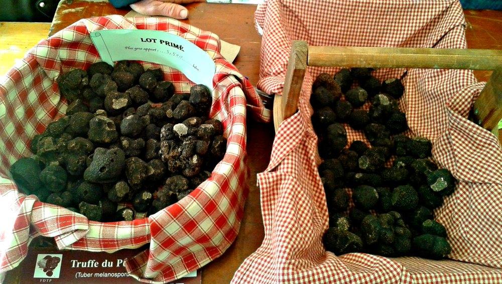 Truffles at Sarlat truffle market