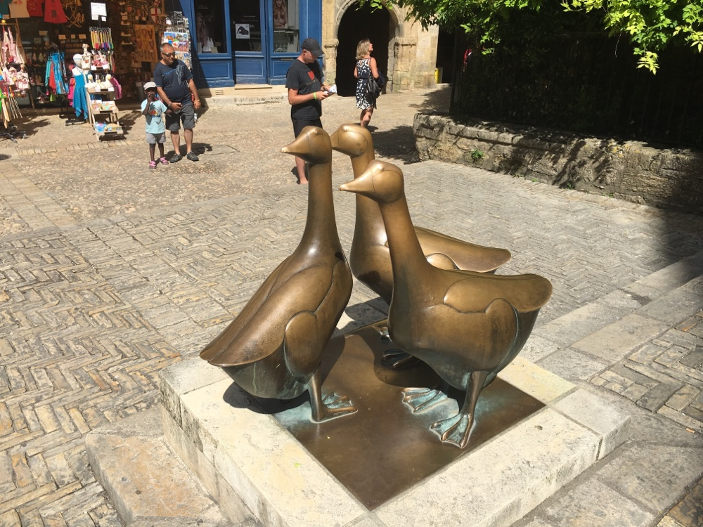 The three bronze geese in Sarlat