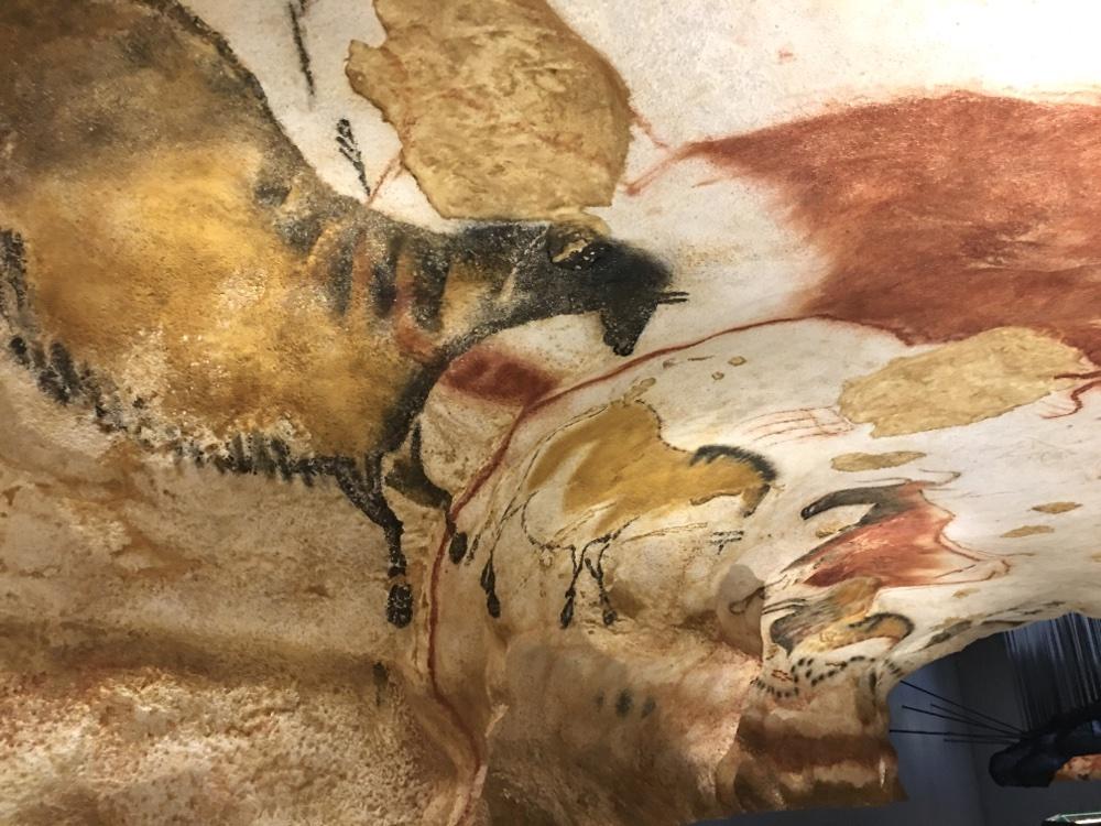 Lascaux IV replica cave paintings